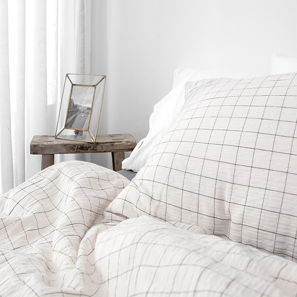 꿀잠을 위한 포근한 침실 인테리어